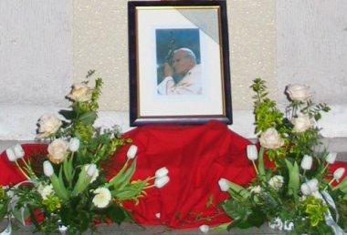 Tribute to Pope John Paul II in Marktl village church.